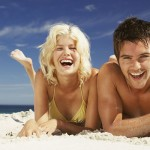 happy-young-couple-on-the-beach-01